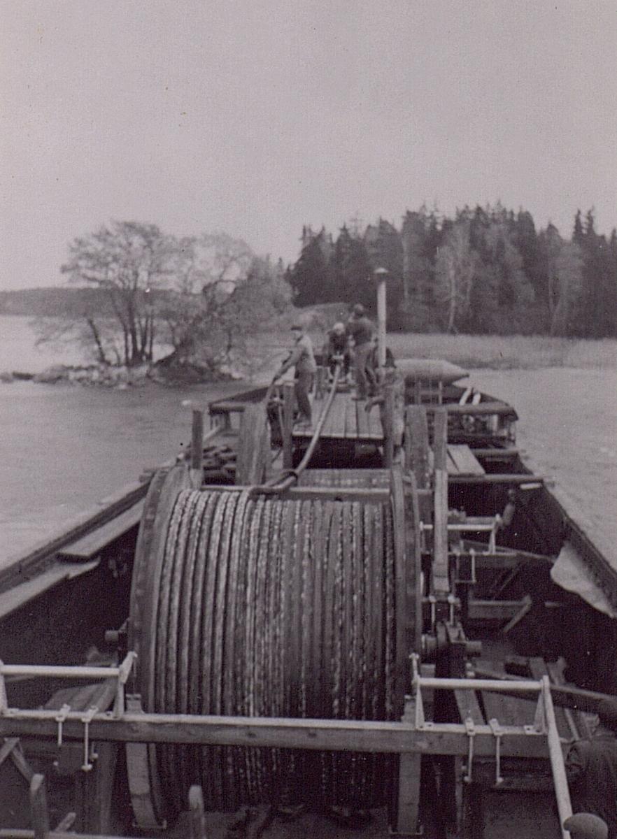 Sjökabel. Görveln. Foderholmen - Lennartsnär kabeln löper ut. 1949.