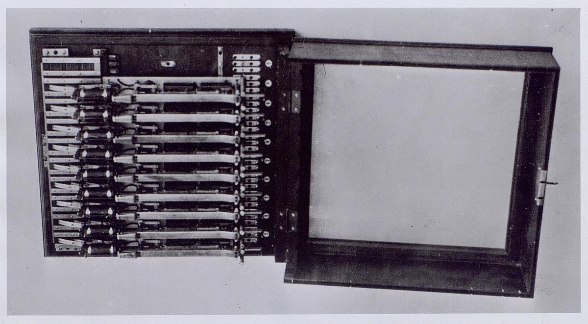 Södertörns Villastad Automat telefonväxel system. Betulander, 1902.