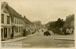 Postkort med motiv fra Pedersgata og Nytorget
