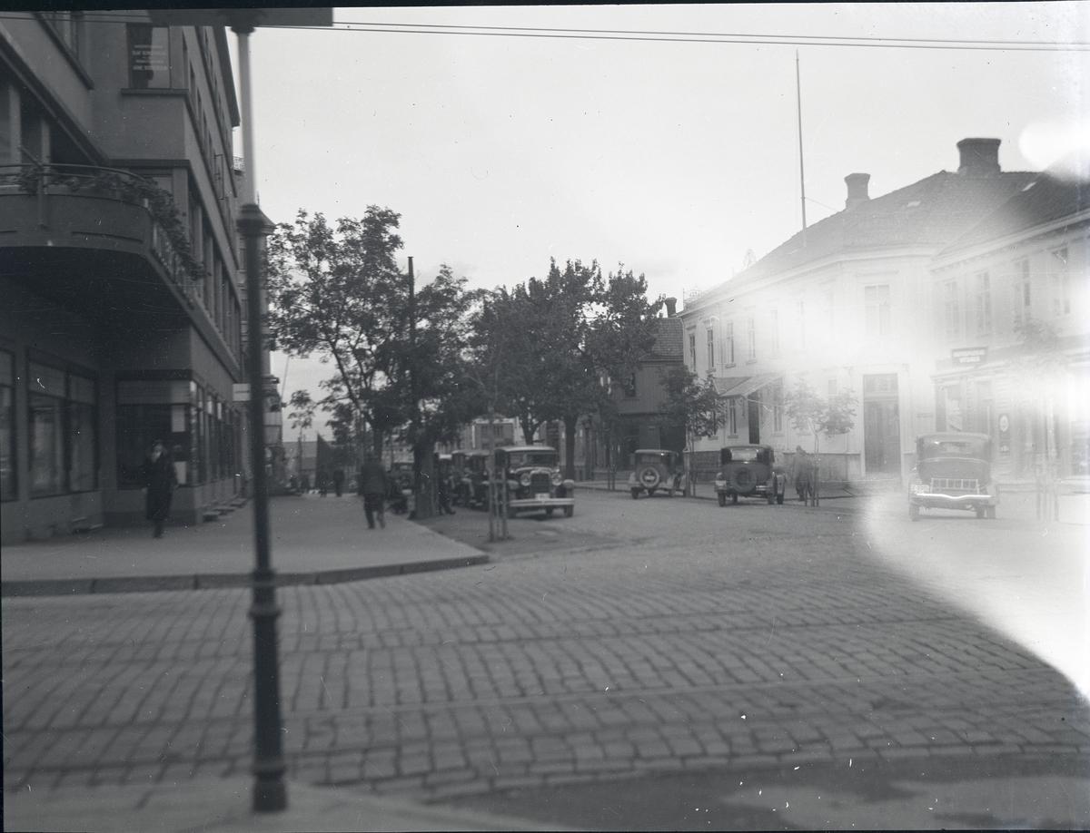 Foto av nedre del av Nordre gate i forbindelse med ulovlig parkering. Foto ved politifullmektig Backer.