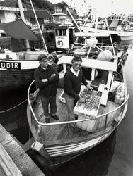 Havna. Rekefiskerne Birger Andersen (t.v.) og Arve Arnesen.