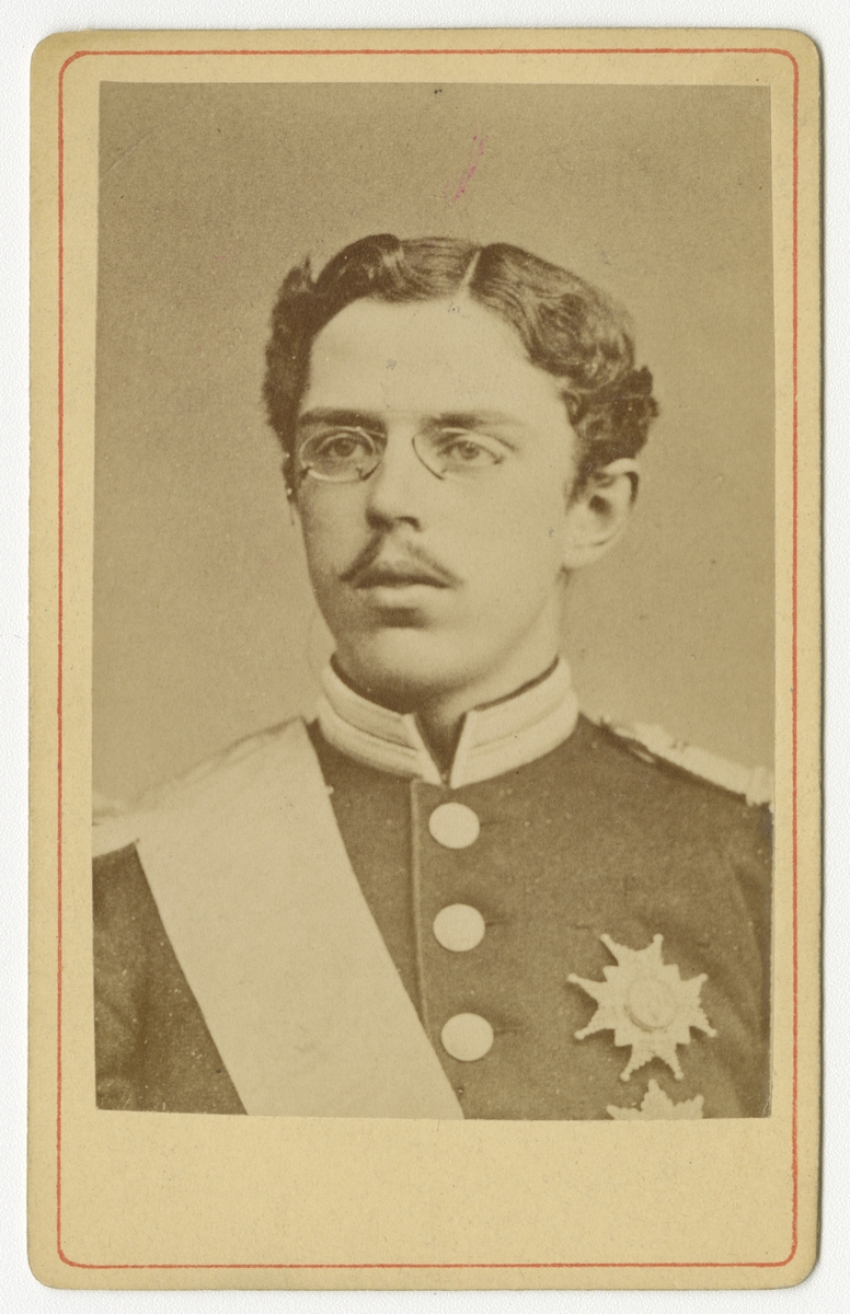 Porträtt av kronprins Gustav (V).