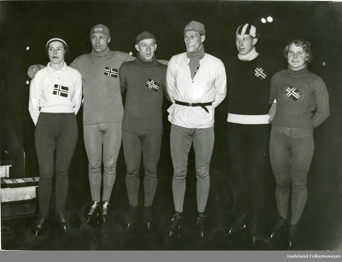 To bilder av norske skøyteløpere under et oppvisningsløp på Peblingesøen i København i 1937.