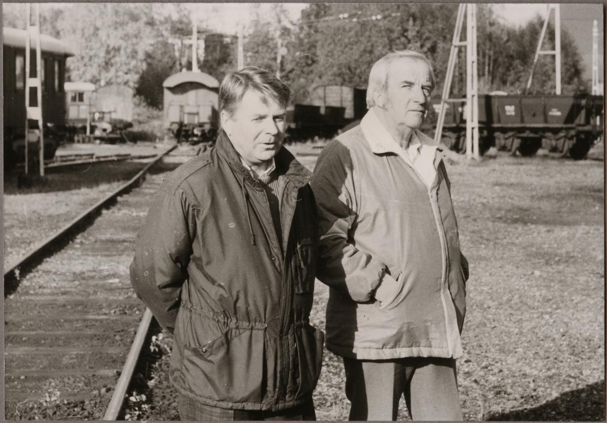 Lennart Söderberg produktionstekniker och brotekniker Bertil Eriksson båda vid Banverket i Ludvika 1989.