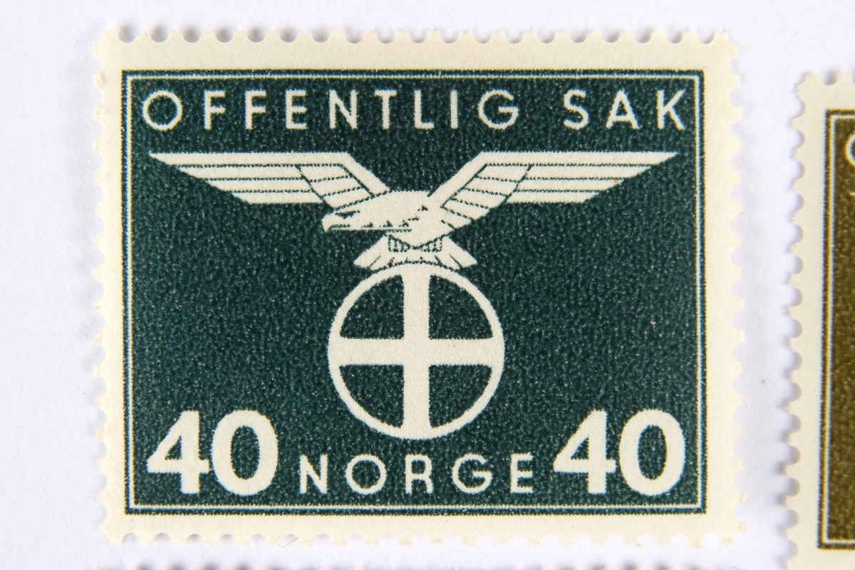 Ni tjenestemerker brukt for tjenestlige postsendinger fra offentlige etater