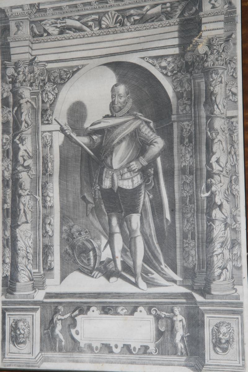 Glass, brun og sort ramme, portrett av Fredrik II, muligens fra et eksemplar av Fredrik II's billedbibel.