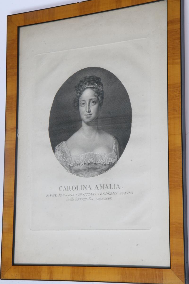 Glass, brun og sort ramme, ovalt portrett av prinsesse Caroline Amalie.