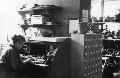 Museets første fotograf Jenny Arnesen, 1935. (Foto/Photo)
