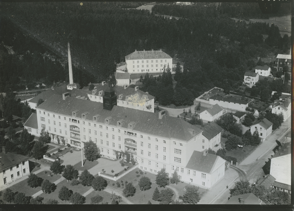 Flygfoto över lasarettet i Hudiksvall.