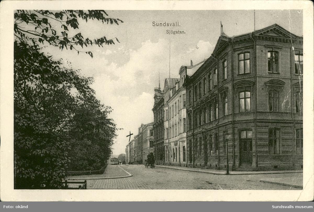 Vykort med motiv över Sjögatan i Sundsvall.