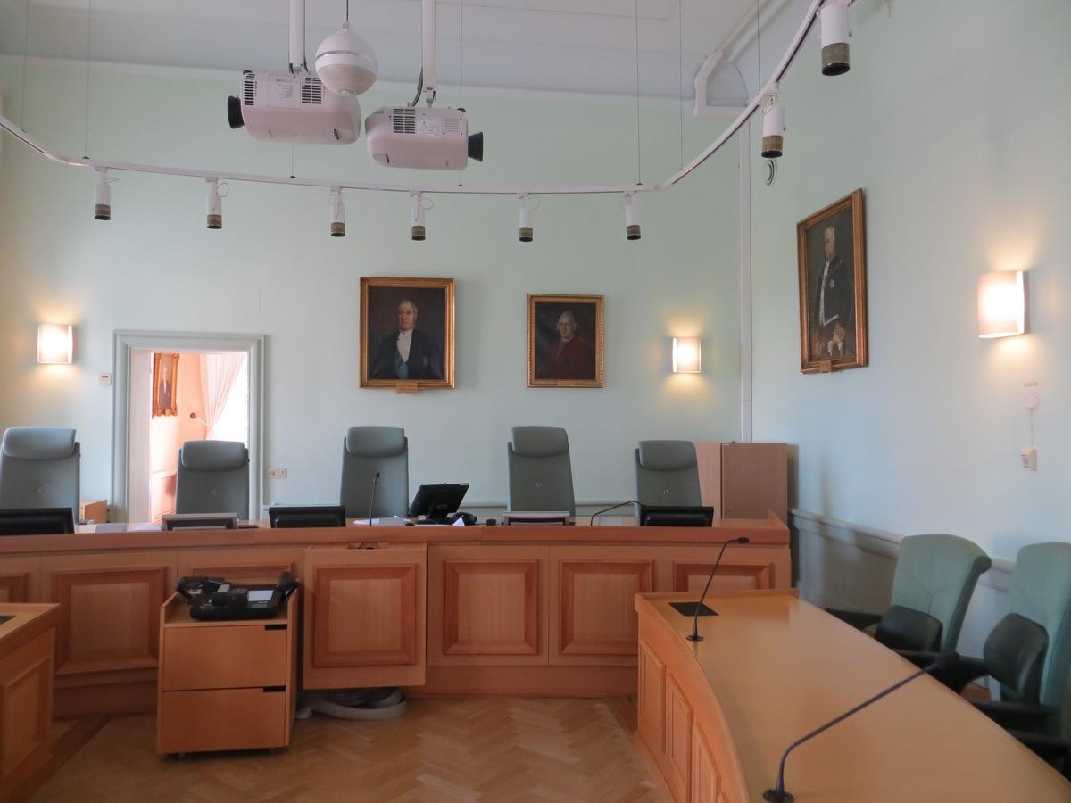 Interiör från Göta hovrätt i Jönköping, sessionssal på övervåningens västra del.