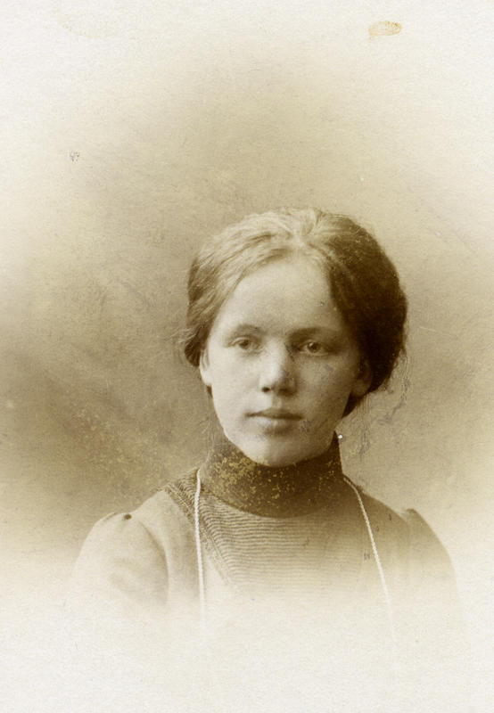 Olga Olsen. Ukjent fotograf. BV 87-109.