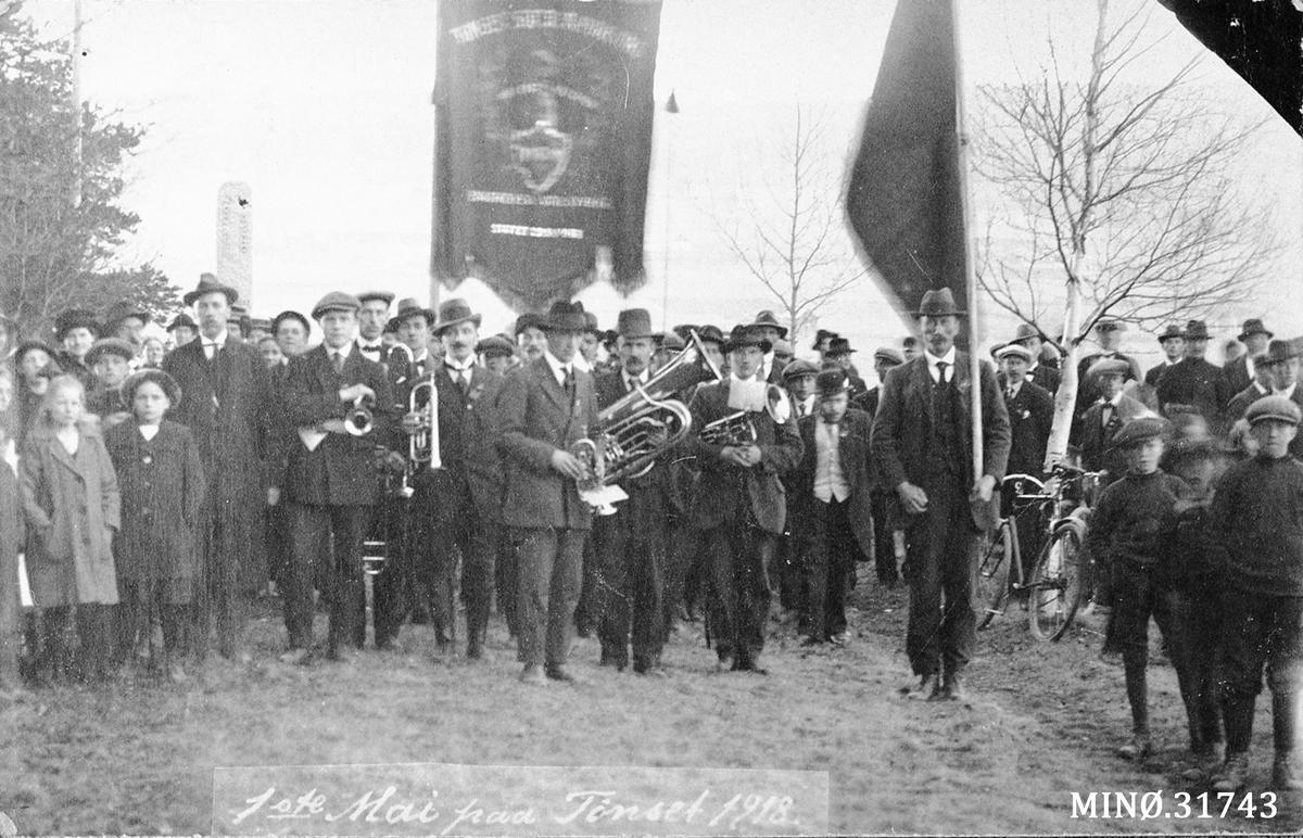 Opptog. 1. mai på Tønset 1918 (Foto/Photo)
