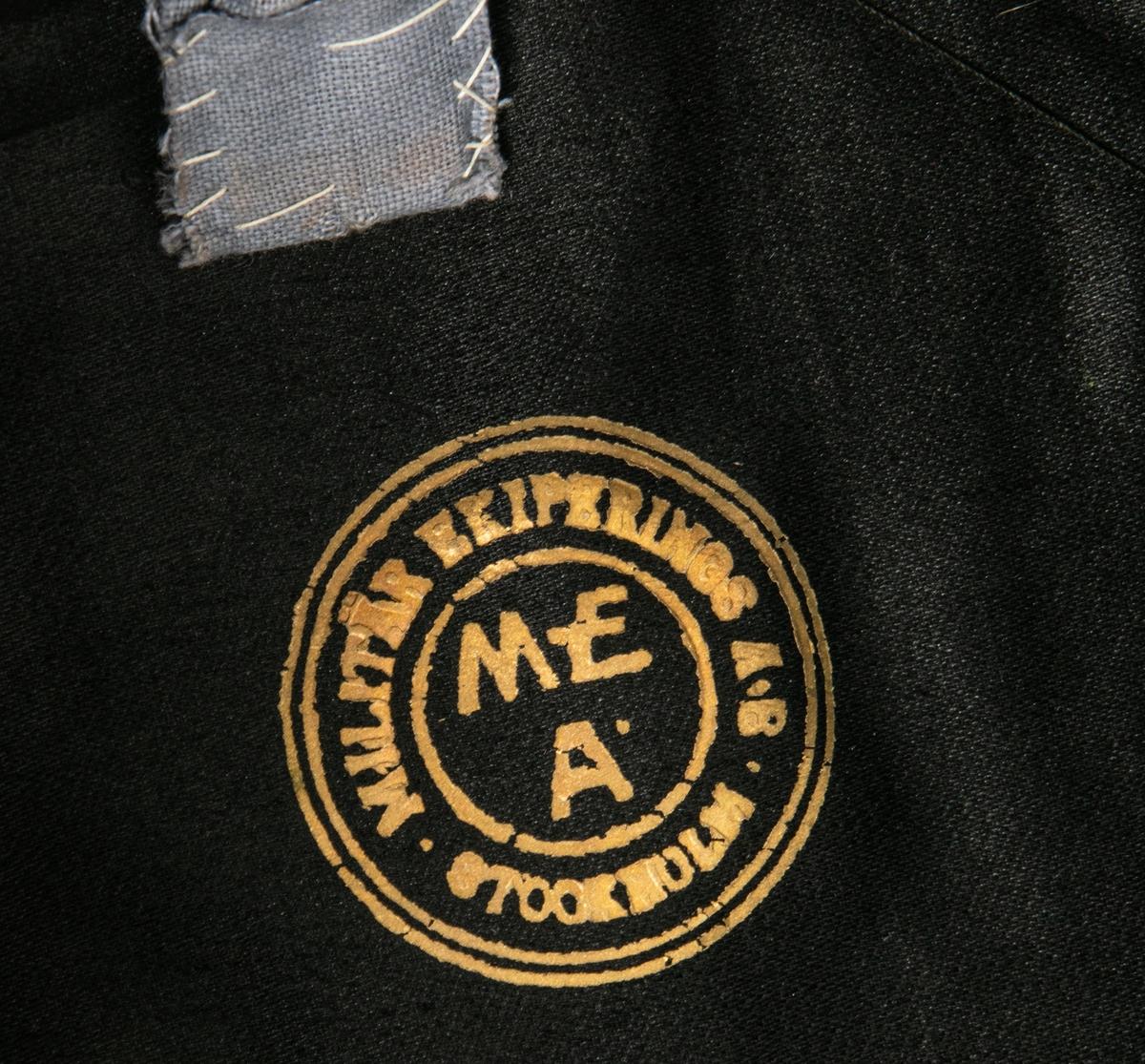 Uniform M/Ä -23. Intendentkåren. Sydd i augusti 1930 å I14:s  off- och uoffskrädderi av skräddarmästare Axel Granath.