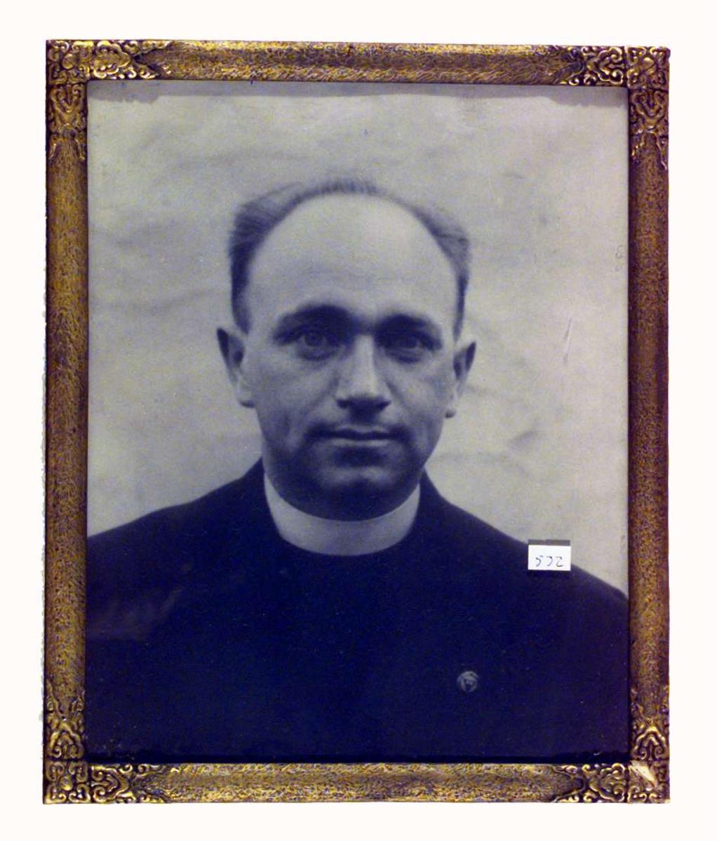 Portrett av en ukjent prest
