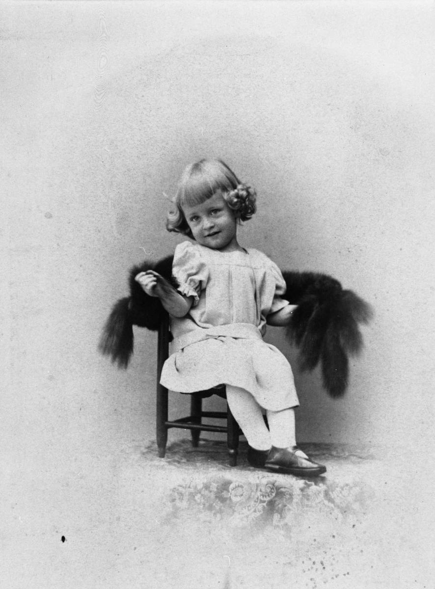 Albert Bjørnson-Langen, gutt, stol, repro,