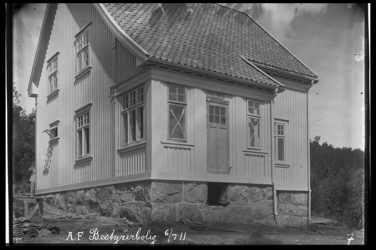 Arendal Fossekompani i begynnelsen av 1900-tallet CD merket 0010, Bilde: 13 Sted: Bøylefoss  i 1911 Beskrivelse: Bestyrerbolig fra 1911-13. Siden kalt Messa