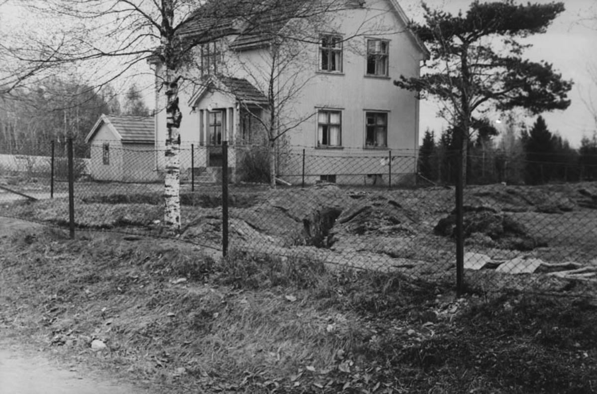 Film 13-14: Tyske forsvarssverker ved Kontra skole, Ski.
