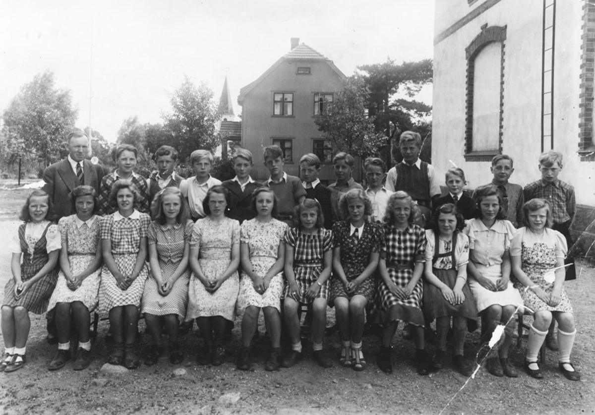 7. kl. Kontra skole med lærer Gunnar Ween 1943
