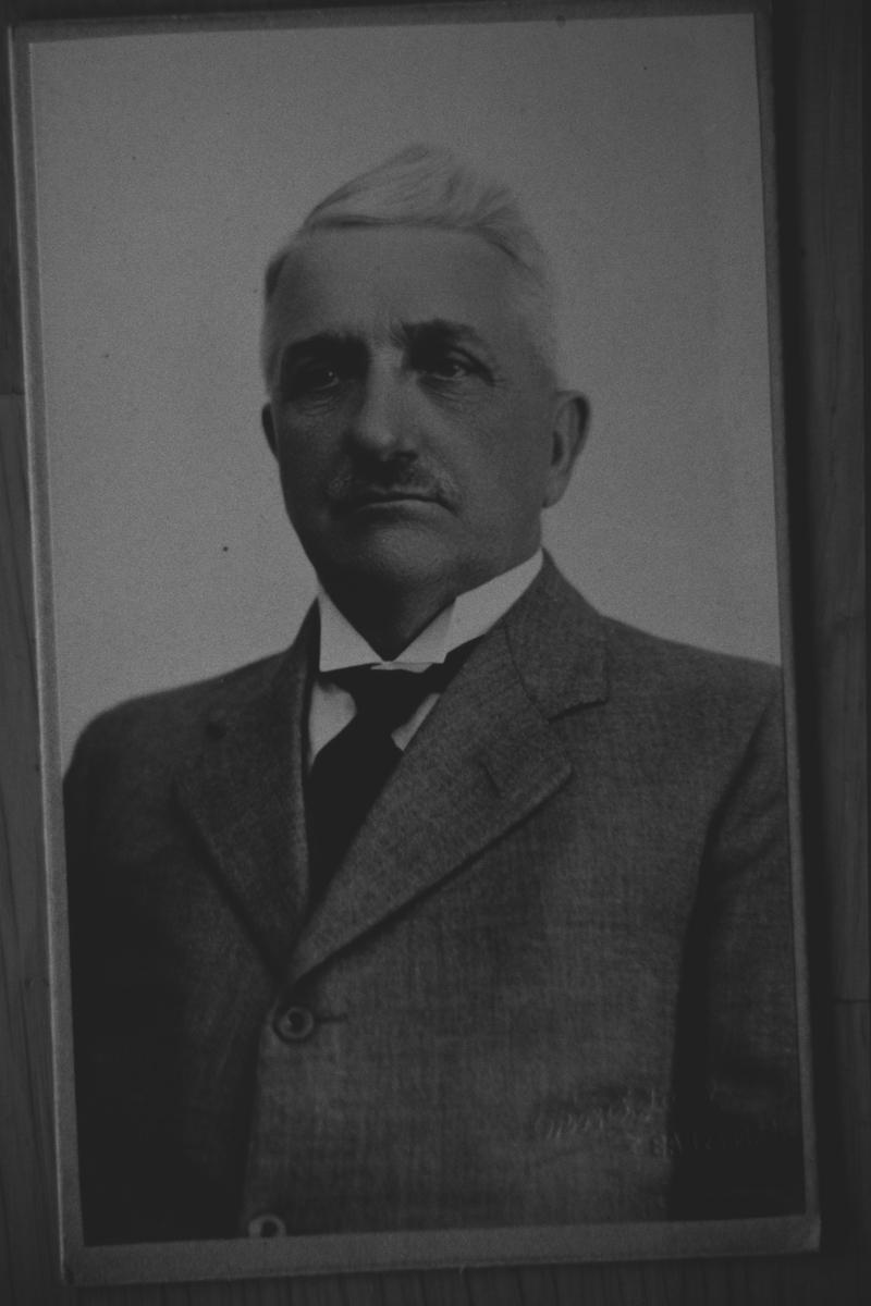 Portrett av Olaf Dahlbakk, sønn av Karoline og Johan Dahlbak