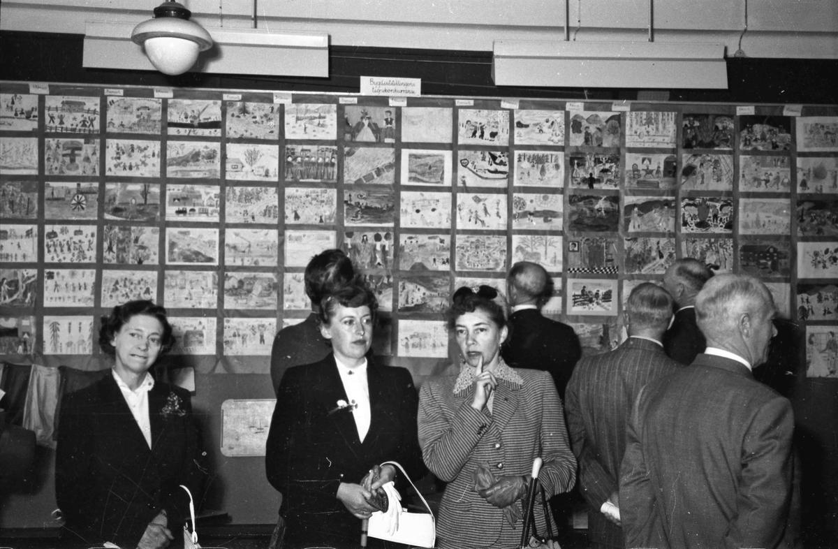 Bygdeutstillingen i 1955. Utstillingen ble arrangert på og ved Landsgymnaset.