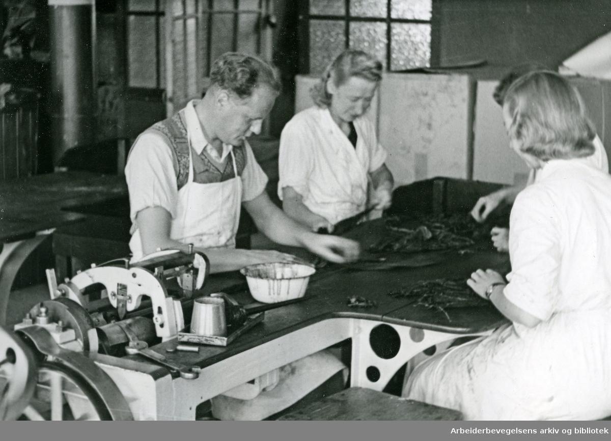 Langaards Tobakkfabrikk,.ca. 1950