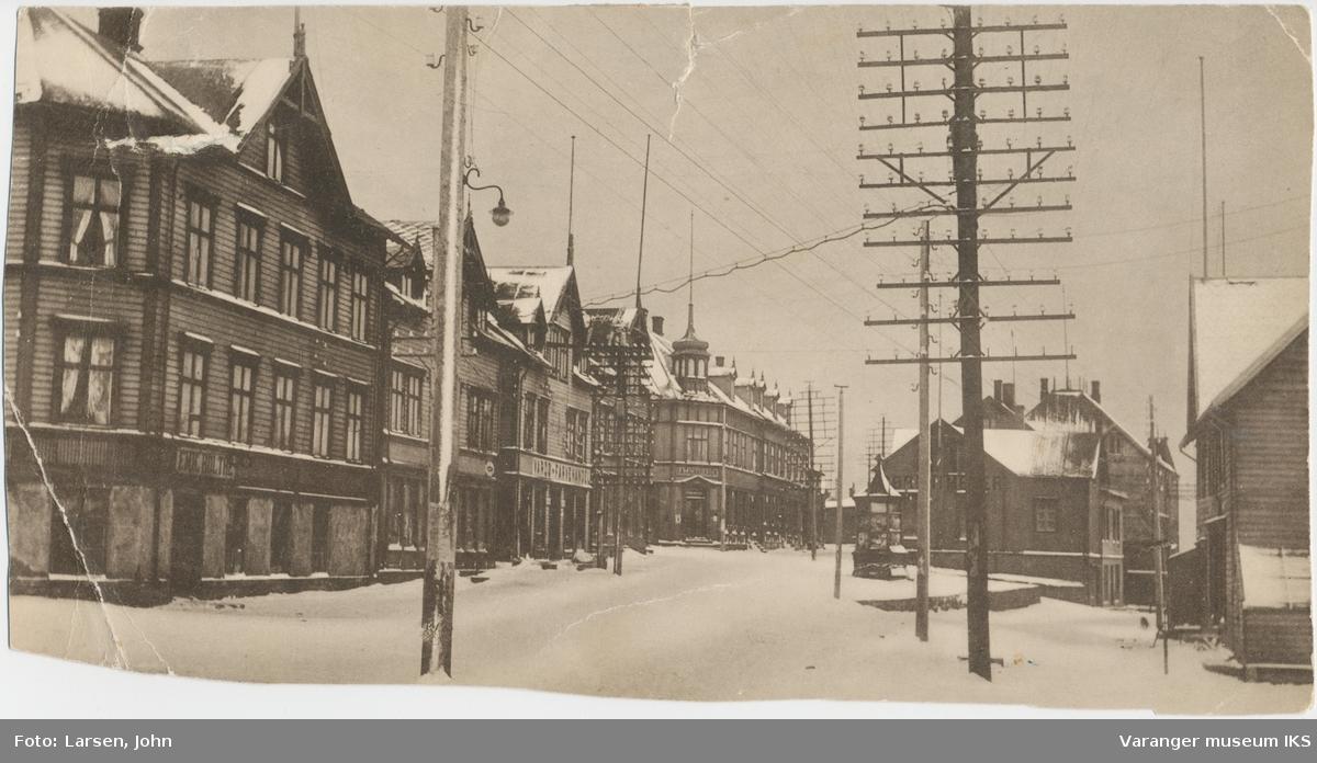 """Strandgata og """"Lilletorget"""" sett fra nord"""