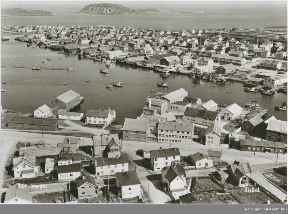 Postkort, Nordre Våg sett fra en av radiomastene