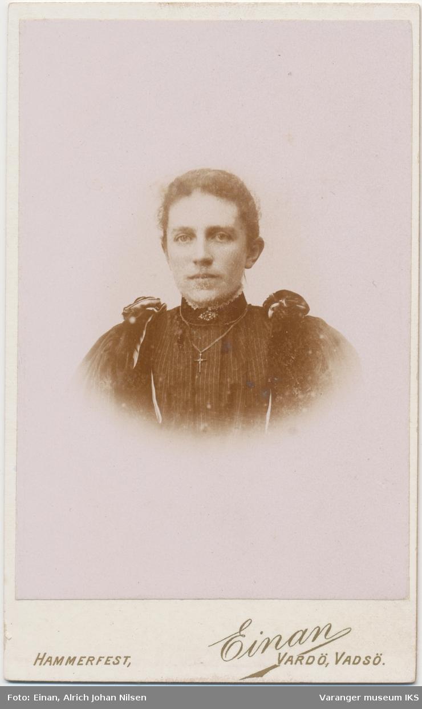 Portrett, Josefine Gundersen