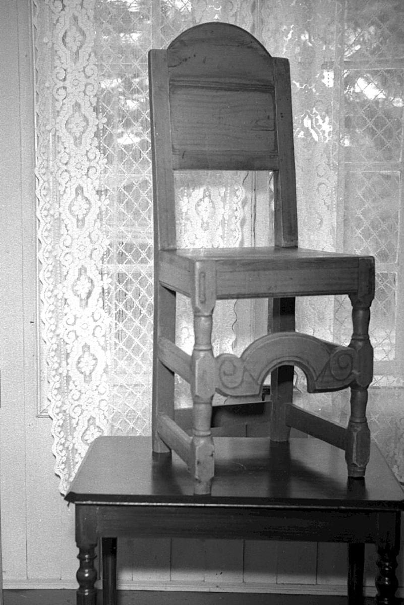 Gammel stol