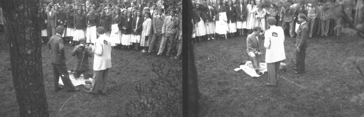 17. MAI 1949. RUSSEDÅP PÅ DOMKIRKEODDEN, RUSSEFEIRING, HAMAR KATEDRALSKOLE.