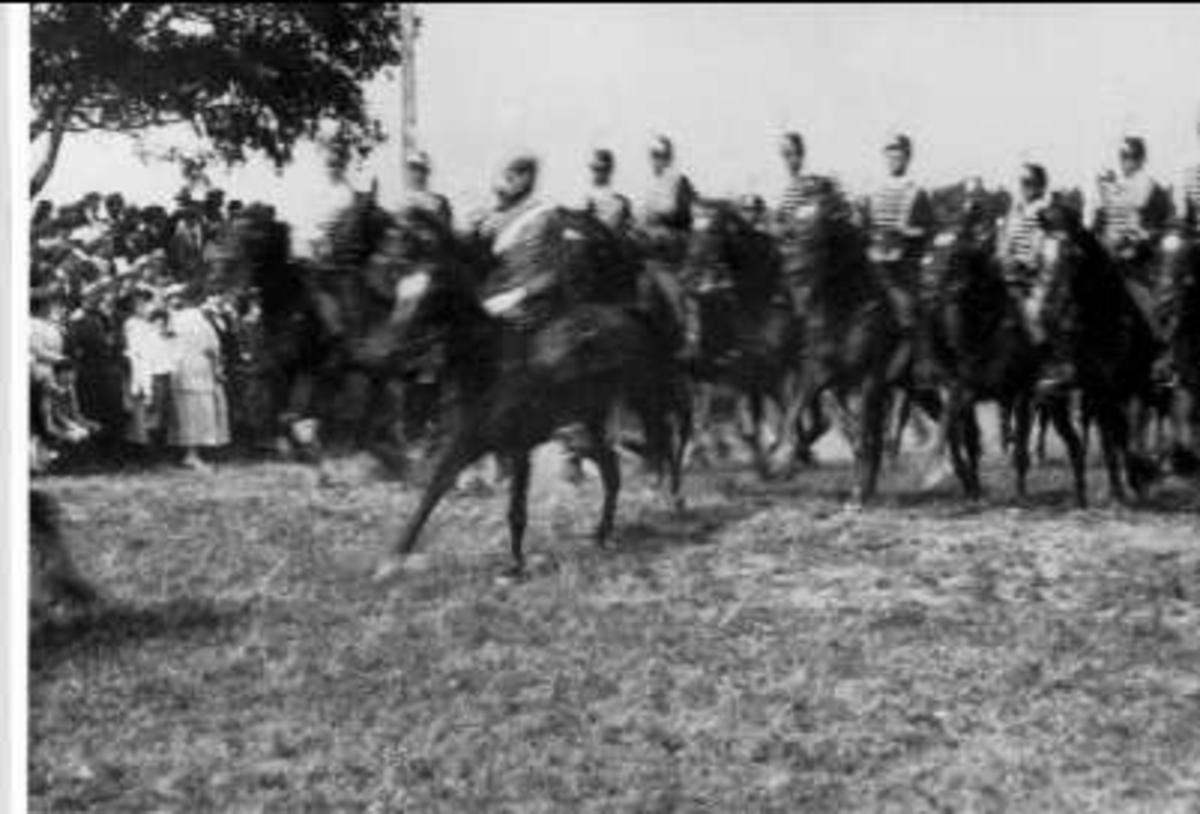 Invigningen av regementets minnessten på Sanna hed den 1 Augusti 1920.