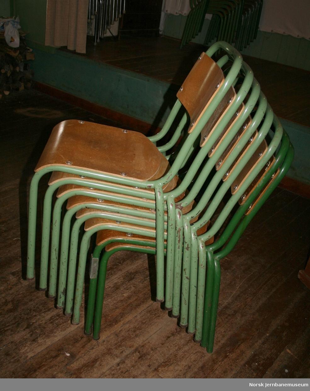 21 stoler, uten armlener