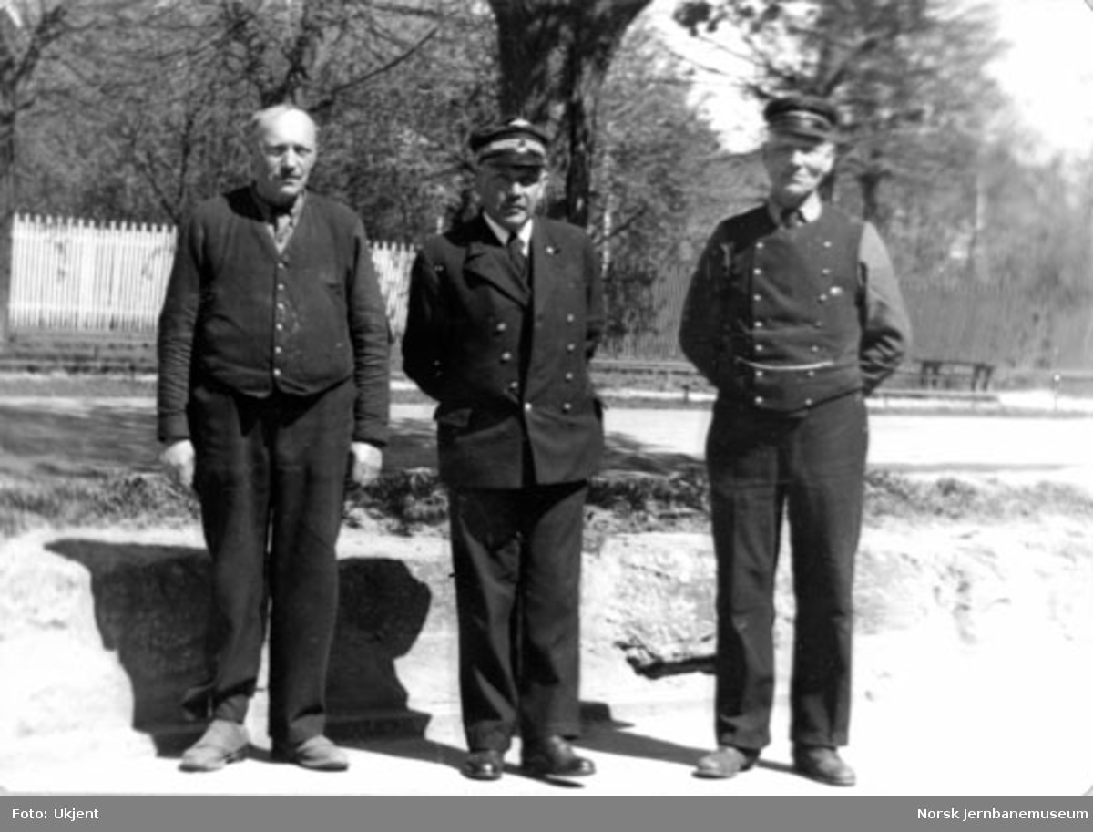 Tre av de ansatte på godsekspedisjonen på Hamar stasjon