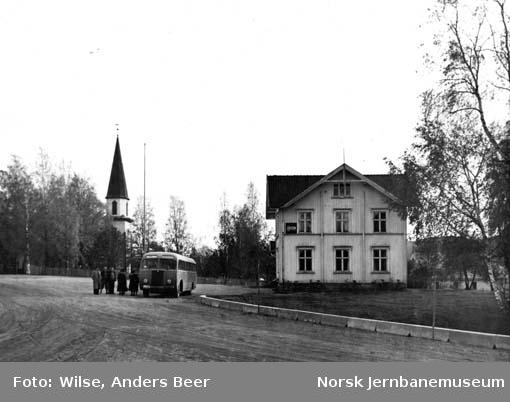 NSB Odal-Eidsvollrutas buss D-13589 ved Sand i Nord-Odal