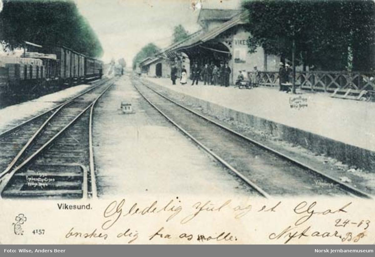 Vikersund stasjon med blandet tog til Krøderen