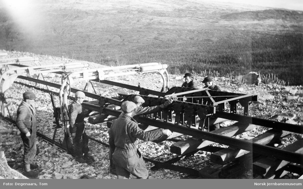 Legging av skinnelenker nord for Kjemåga