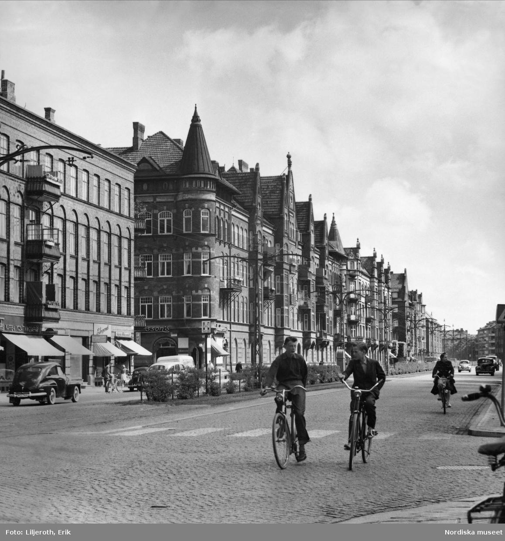Föreningsgatan som löper genom Rörsjöstaden, som till större delen har vuxit upp på före detta sjöbotten. Malmö.