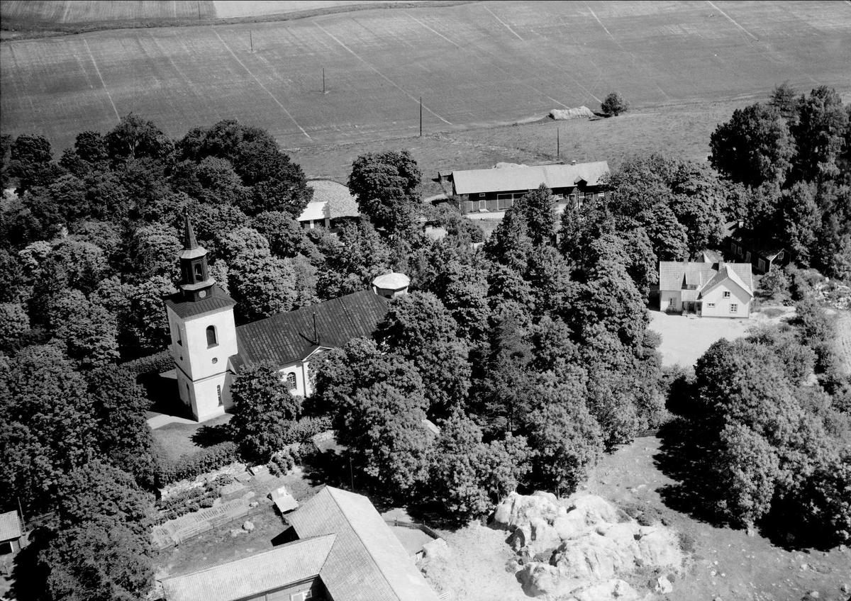Flygfoto över Altuna kyrka, Altuna socken, Uppland 1959