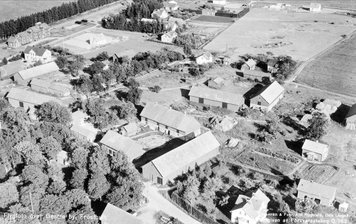 Flygfoto över Gästre, Frösthults socken, Uppland 1953
