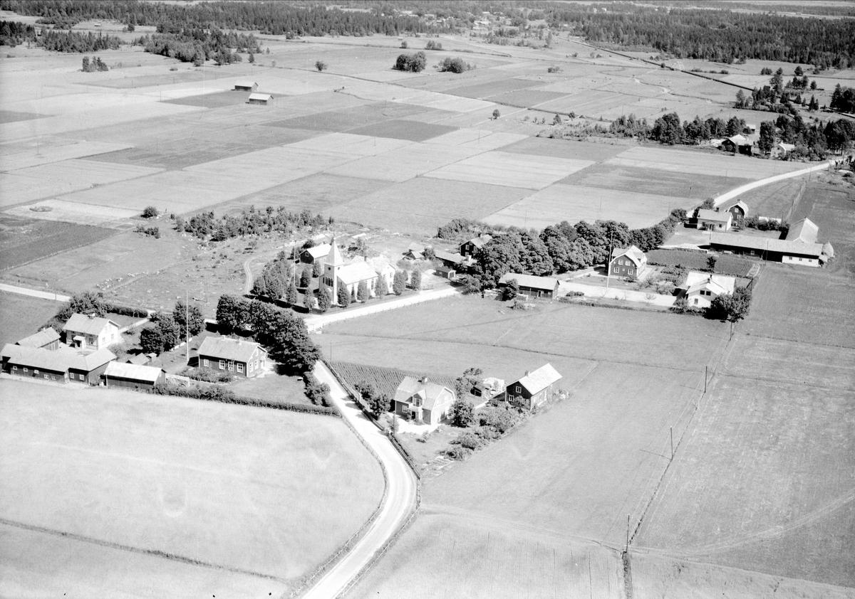 Flygfoto över Sandby, Västlands socken, Uppland 1947