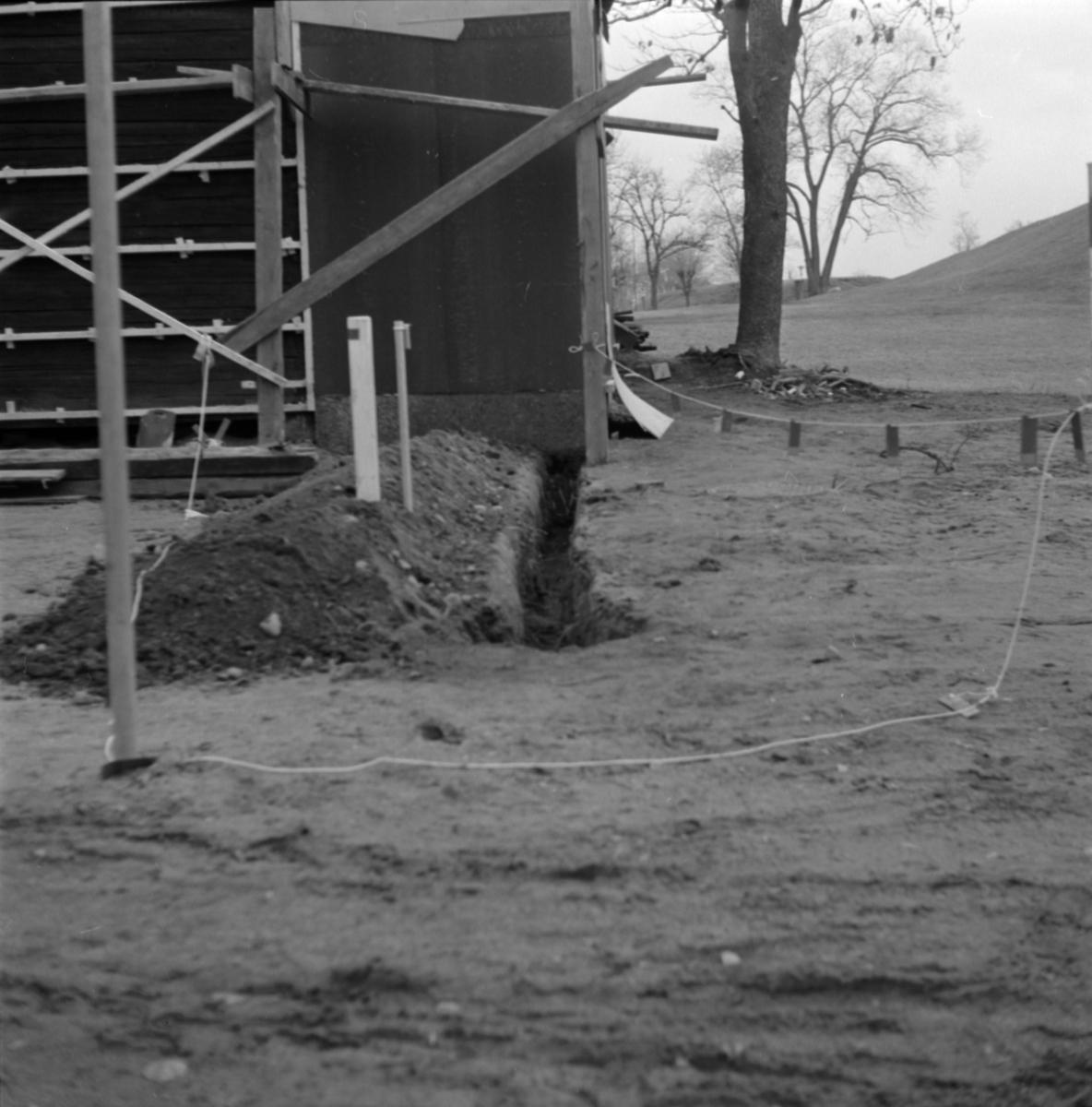 Arkeologisk undersökning, schakt 2 och 9, Prästgården 1:1, Gamla Uppsala 1972