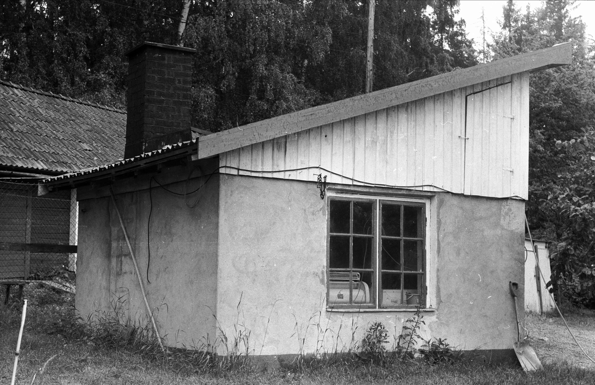 Tvättstuga, Torget, Drälinge, Björklinge socken, Uppland 1976