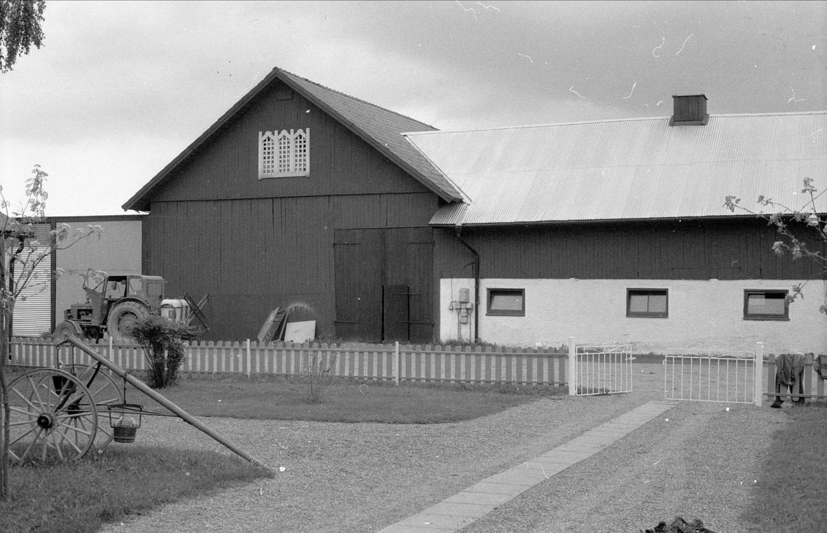 Loge och ladugård, Rörby 2:1, Bälinge socken, Uppland 1983
