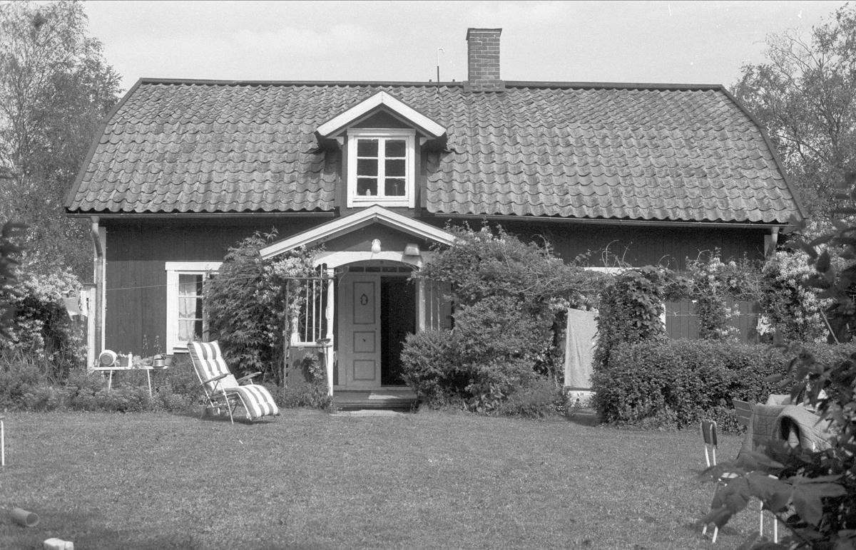 Bostadshus, Trollbäcken 1:1, Bälinge socken, Uppland 1983