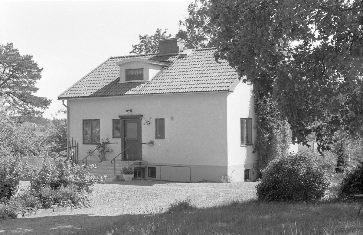 Bostadshus, Solåkra, Prästgården 1:3, Danmarks socken, Uppland 1977