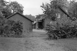 Typhus och garage, Vattholma Bruk, Vattholma, Lena socken, U