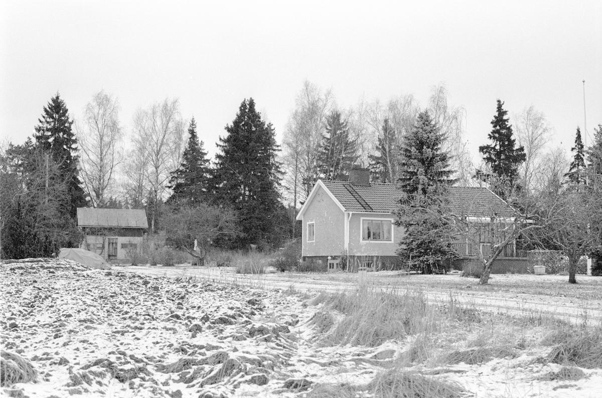 Uthus och bostadshus, Sunnanå 2:3, Hagby socken, Uppland 1985