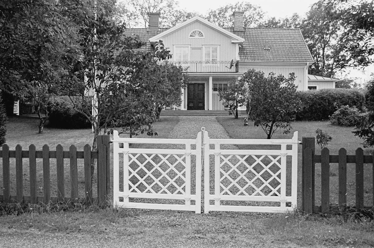 Manbyggnad uppförd 1862, Salbergavägen 10, Skärplinge, Österlövsta socken, Uppland 2000