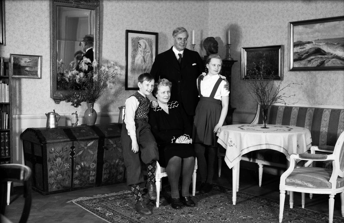 Studierektor Carl Cederblad med familj, Uppsala